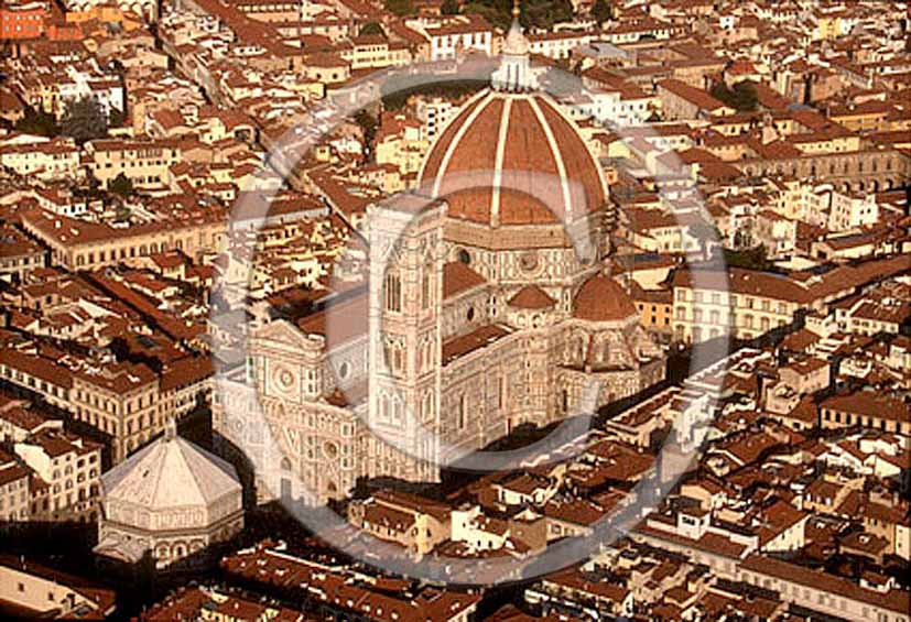 2000 - Aerial view of the cathedral of Brunelleschi of Florence town.