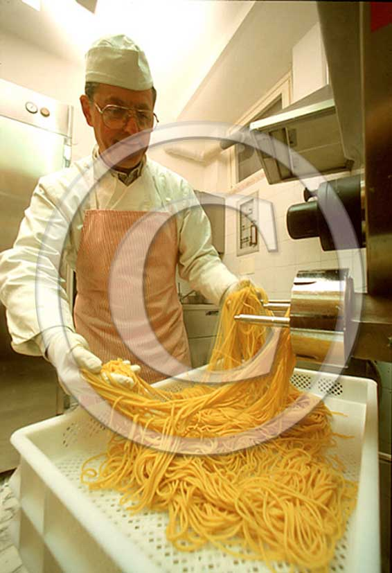 2002 - Delicatessen shop of traditional production of Pasta hand made.