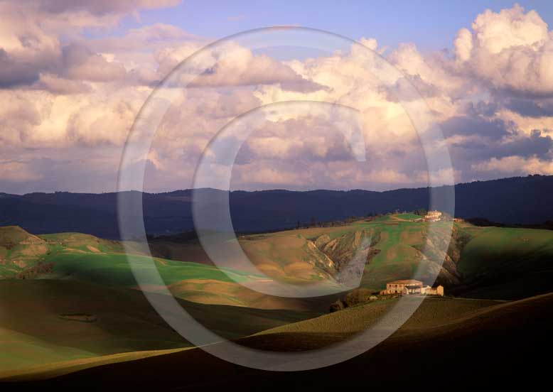 2002 - Landscapes of farm before sunset in autumn, Mucigliani place, near Taverne village, Crete Senesi land, 8 miles south province of Siena.
