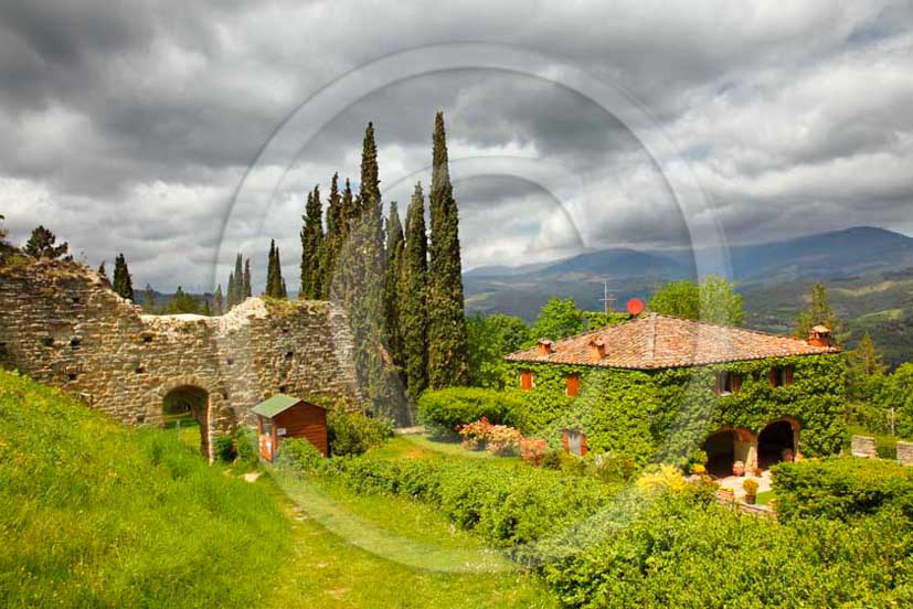 2011 - View of house in Castel of Romena in Casentino valley.