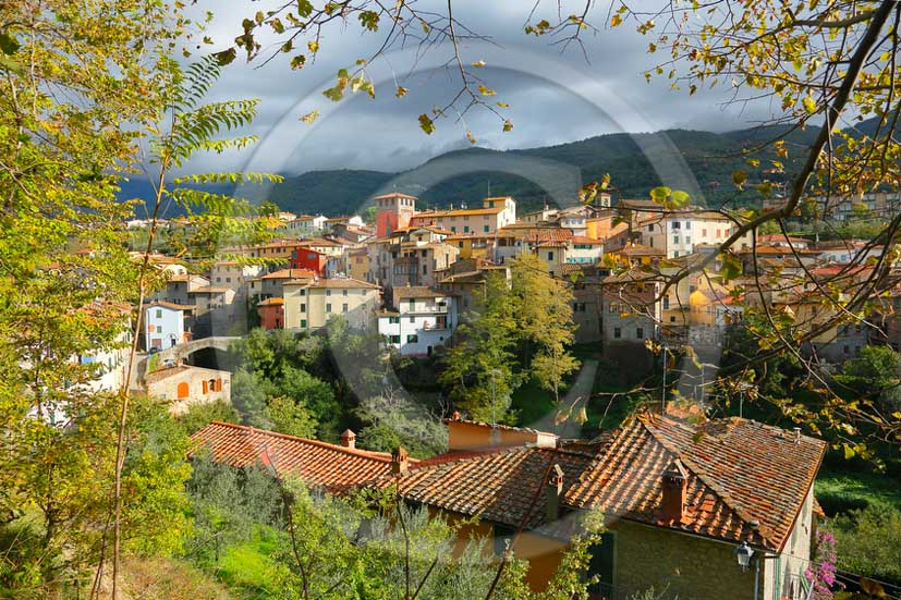 2012 - View of the village of Loro Ciuffenna village on autumn.