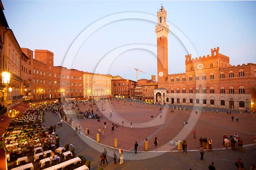 2013 - View on late afternoon of Siena town and the main square Il Campo.