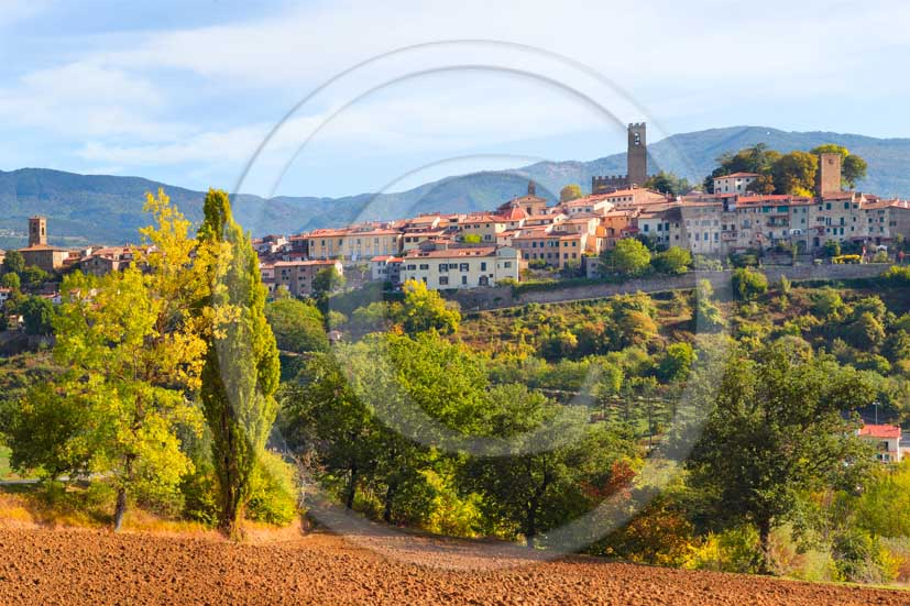 2013 - View of the Castle of Poppi village on autumn in Casentino valley.