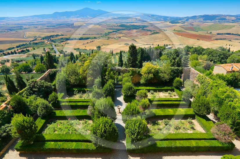 2013 - View of the garden inside the Palazzo Piccolomini in Pienza village in Orcvia valley.