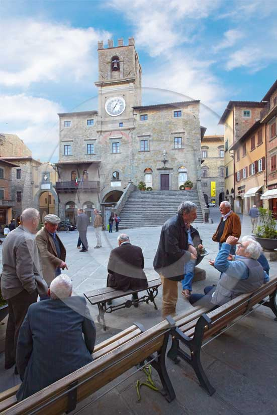 2009 - People in the main square of Cortona medieval village with the
