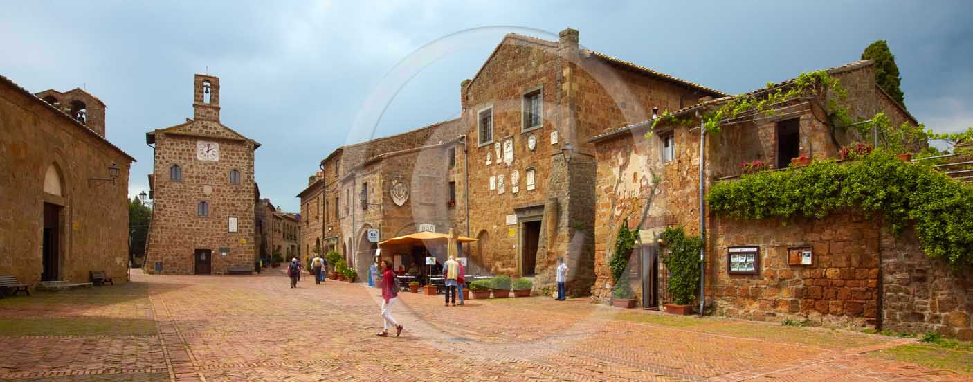 2009 - Panoramic view of the main square of Sovana medieval village in easter, 28 miles south province of Grosseto.