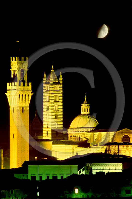 1992 - Night view with moon of the Siena's main tower