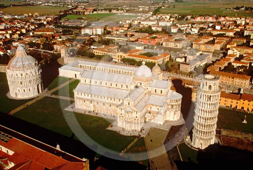 2001 - Aerial view of the Pisa's main square