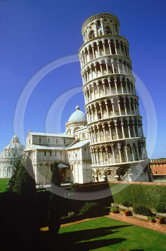 2005 - View of the Pisa's leaning tower, right, and the Cathedral, left.
