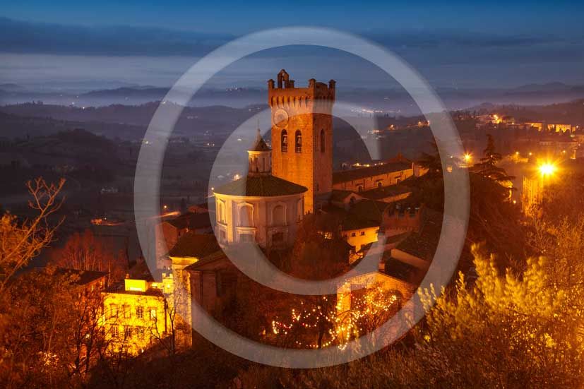 2009 - Night view of San Miniato village a bit before sunrise on winter, Era valley, 18 miles east Pisa province.