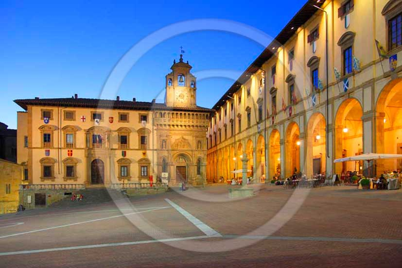 2011 - View of the main square, the buildings and Logge of Vasari in Piazza Grande of the town of Arezzo.
